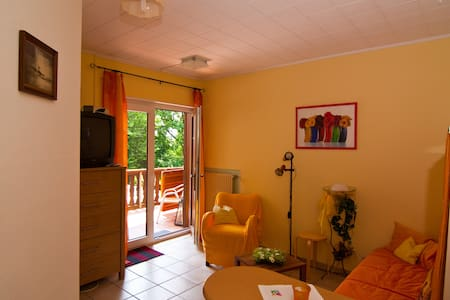 Kleines 1- Zimmer Apartment Münchhausen - Münchhausen - Leilighet