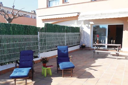 Semi-Detached with 3 bedrooms on 76m² in Altafulla