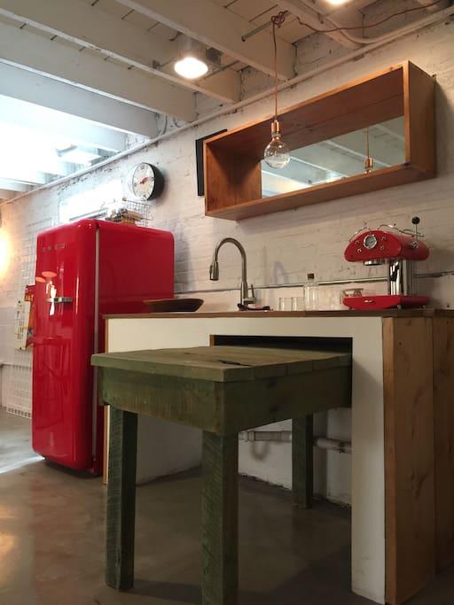 Kitchen area - no oven