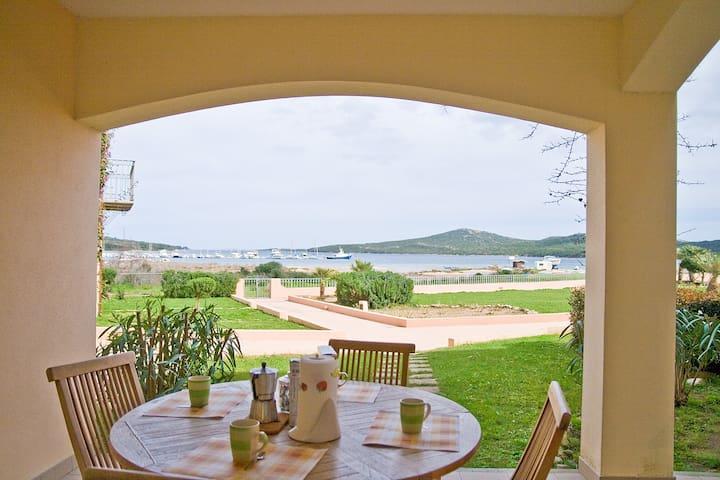 Romantico appartamento sul mare con vista