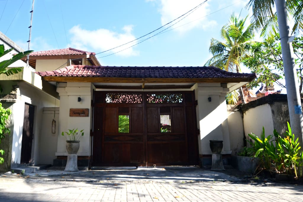 Front of Sunny Side seminyak