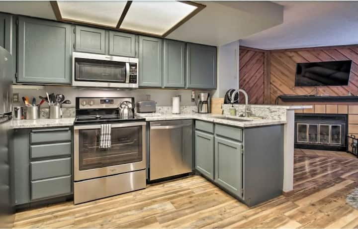 Studio, 3 Beds, Telework near Bryce and Zion NP