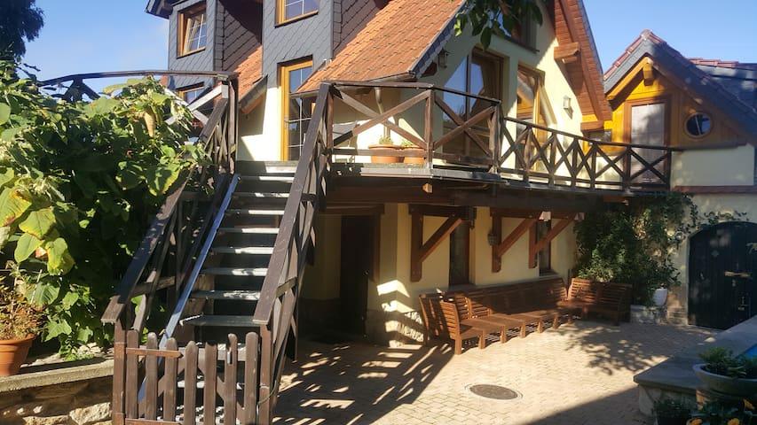 Wohnen auf dem Reiterhof am Golfplatz,6km von Jena