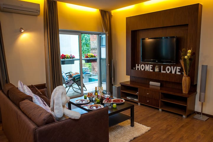 Old Town Lux Apartment + Parking