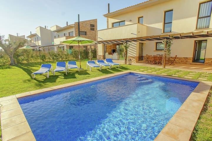 Charming house for 8 people with private pool just 4 kilometers from L'Escala