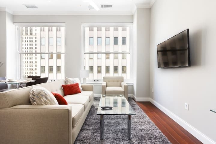 LUXE 1BR with Doorman Downtown Pittsburgh by GLS