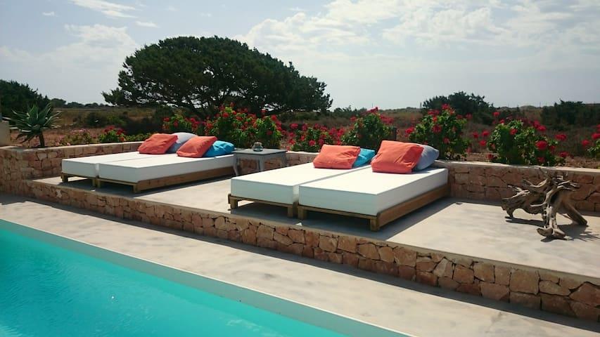 Encantadora casa con piscina - Formentera  - Huis