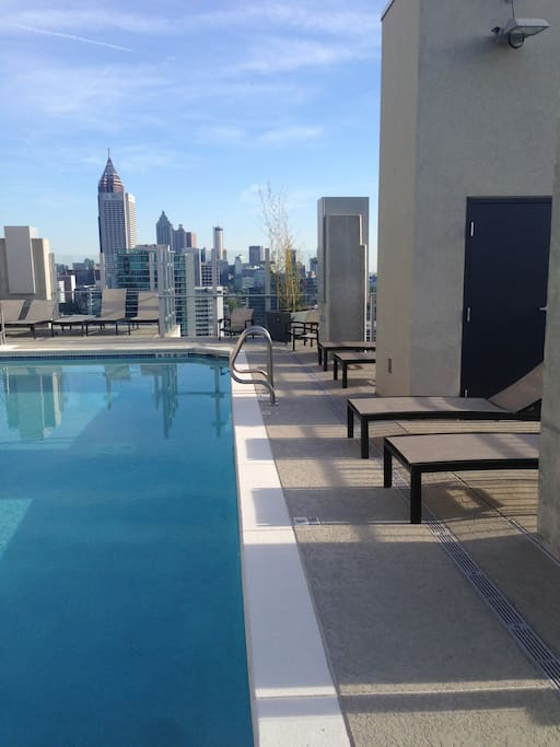 Pool side on the rooftop with clubhouse/Grill area