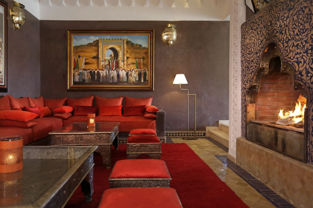 Large and comfortable common spaces as this traditional moroccan living room
