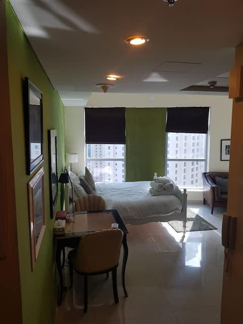 Studio flat JBR & Dubai Marina view 2 min to beach
