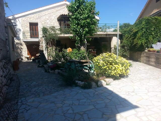apartman 70m2 5+5 in tradicional stone house - Kras - Haus