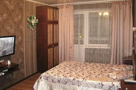 уютная однокомнатная квартира с окнами во двор - Homieĺ - Flat