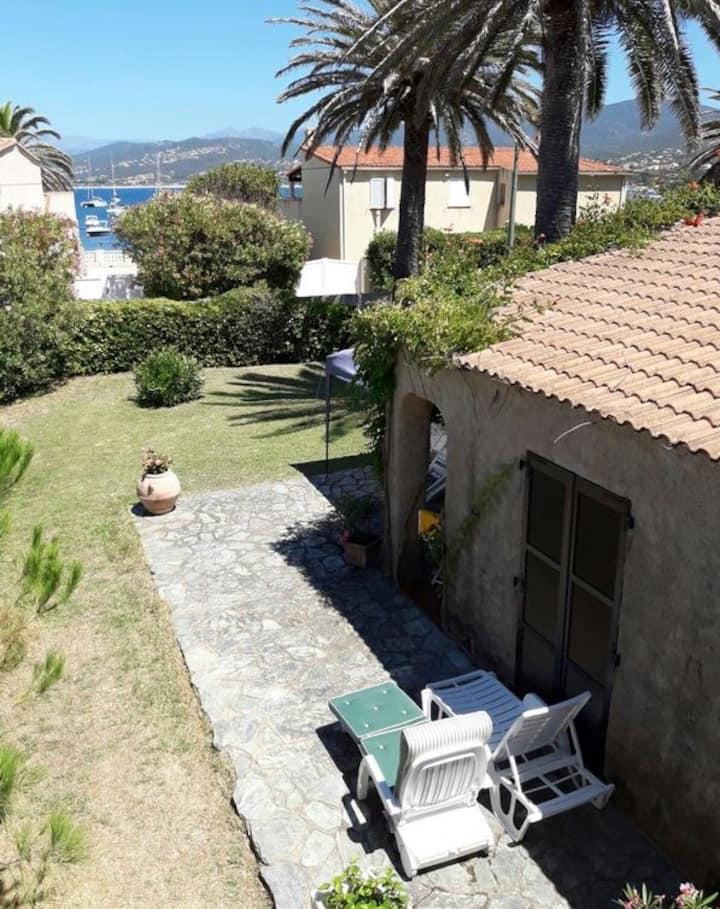 Villa, plage à 2 mn à pied. Isolella exceptionnel