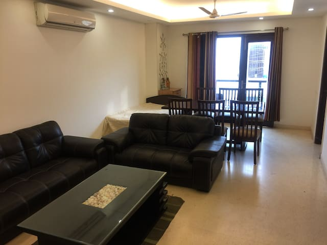Unlimited accessible private home - New delhi - Apartamento
