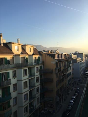 Studio lumineux en centre ville, Geneve