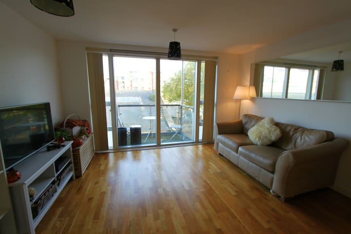 Modern one Bed Flat in Bristols Queen Square - Bristol - Byt