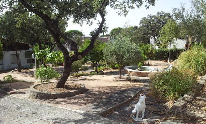 Chalet encantador para relax. - Villa del Prado - Lomamökki