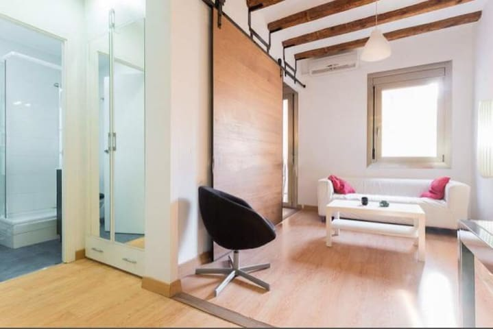 Double Room in Barcelona City Center