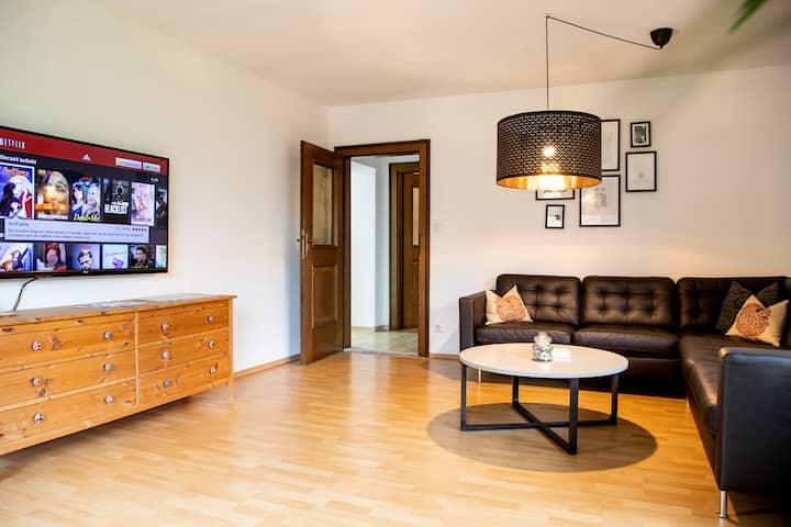 Cozy Apartment in the green near Salzburg 1-6 Pers