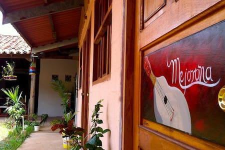 Tradition and culture in La Villa - La Villa de los Santos - Wikt i opierunek