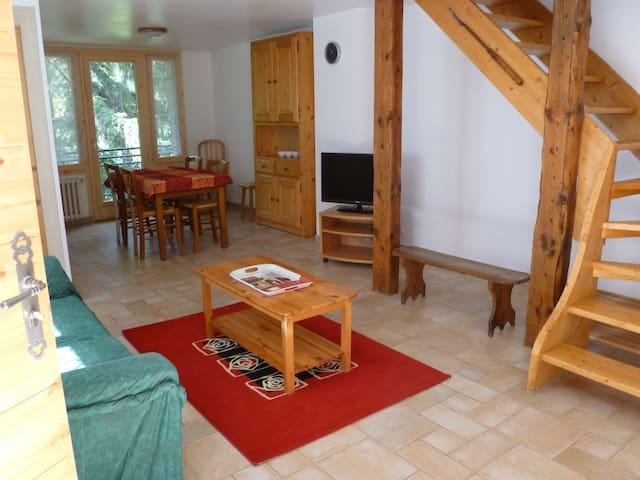 App duplex meublé pour 2 personnes.