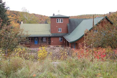 Eagle Eye Ranch - Val-des-Lacs - Hus