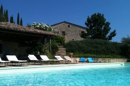 Villa Leoni - Quadrelli - Ház