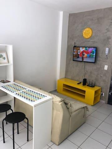 Apto 812 -  Studio confortável e bem localizado