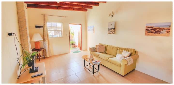 Glenda's Place - stay in Palm Beach, Aruba