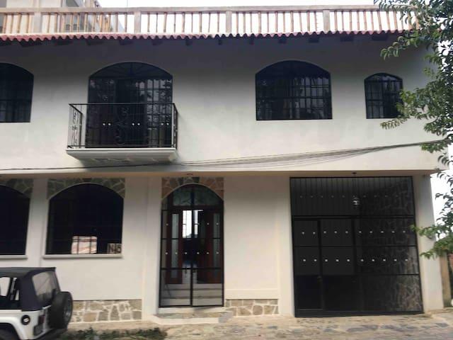 Hostal en Cuetzalan tutunaku habitación sencilla