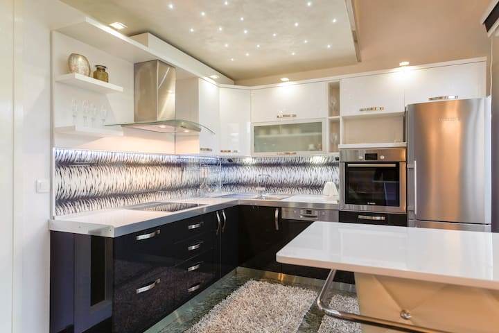 Amigo Deluxe Apartments - Split - Flat