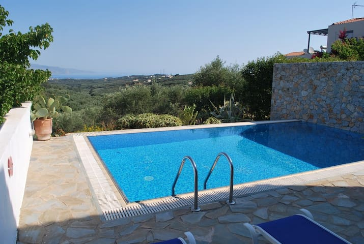 Lovely villa private pool,sea view,2bedrooms,BBQ - Xamoudochori