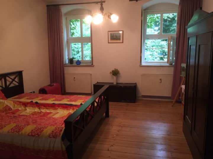 Dein Zimmer auf dem Schlosshof in Altenhausen
