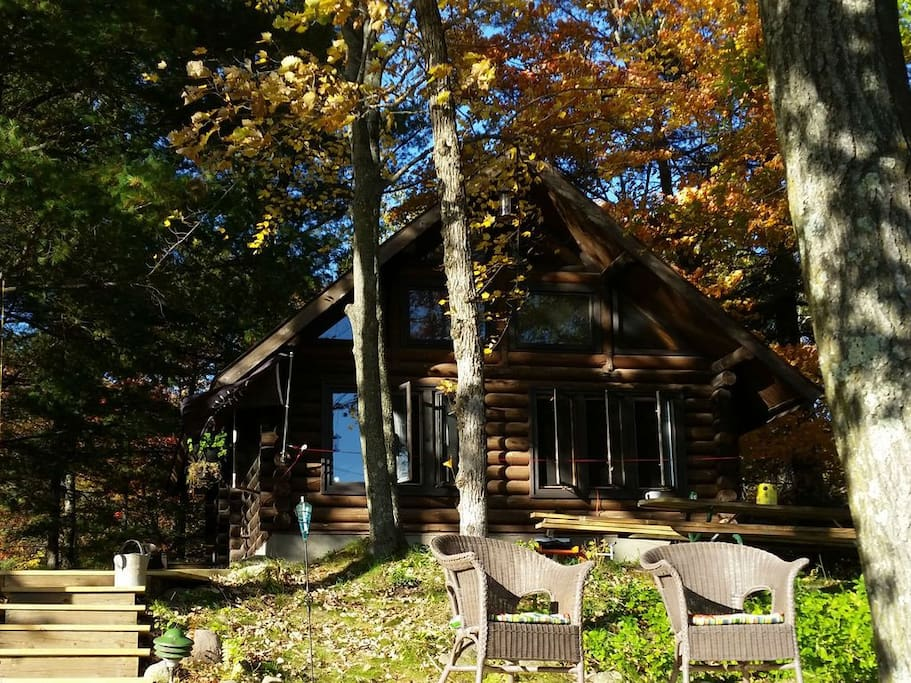 Traditional nordic cabin on quiet silver lake cottages for Anthony lakes cabin rentals