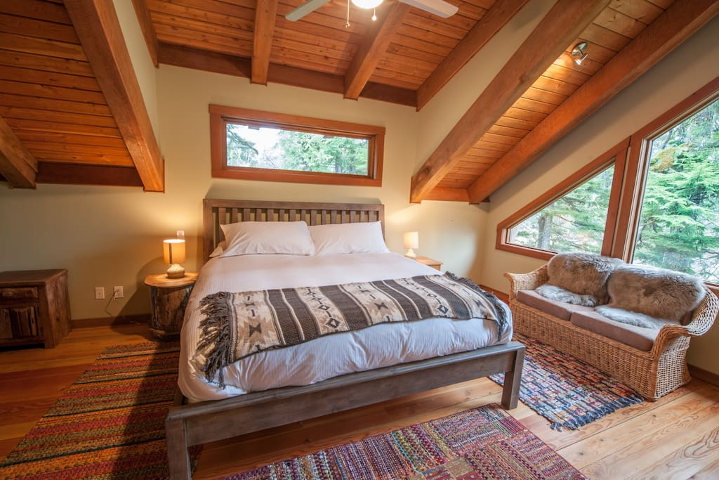 Master bedroom with luxurious king size bed. Large bay windows looking down onto the tides edge of the Clayoquot flats. Spacious closet and dresser to accommodate longer stays.