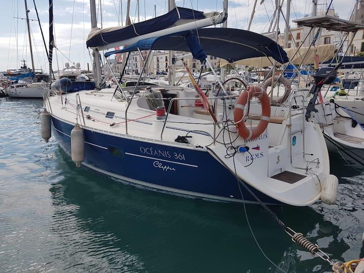 Precioso velero en IBIZA MAGNA (Centro de Ibiza