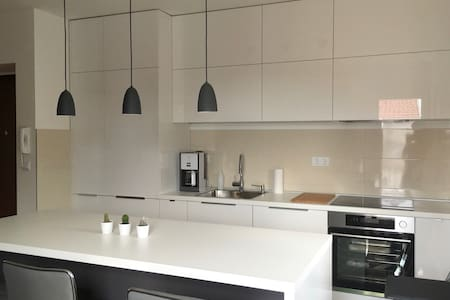 MODERN 3 BEDROOM PENTHOUSE,CLOSE TO BEACH AND CITY - Petrčane - Appartement