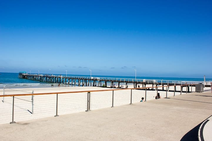 Adelaide Henley Beach Apartment.