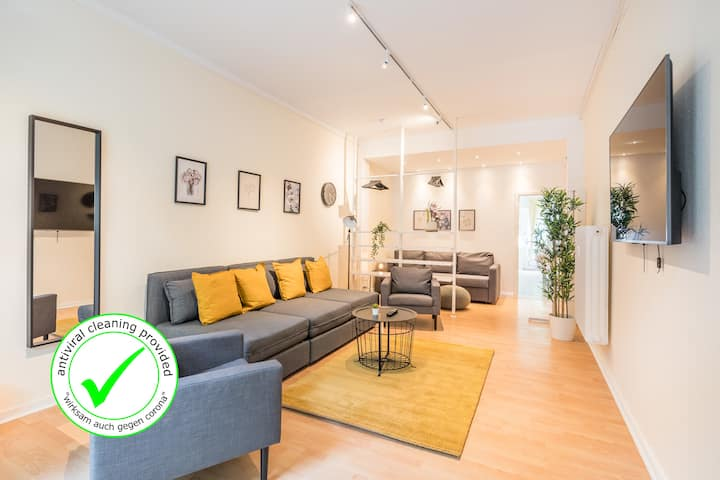 FAMILY APARTMENT+close U-Bahn +free Street Parking