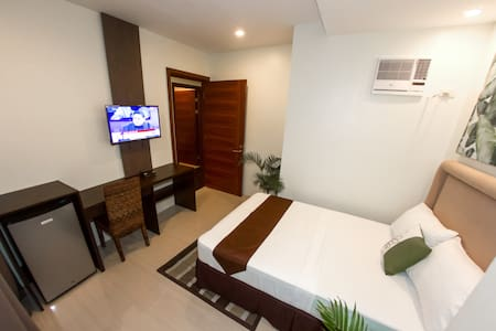 Cozy Room at Verovino Suites - Mandaue City