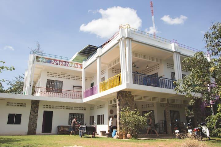 The Playground Kampot - Room Sapphire