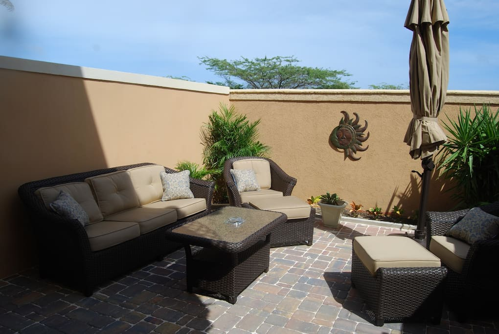 Enclosed Private Patio - BBQ Grill too!