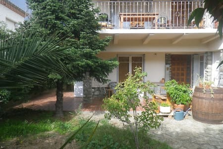 70m² + garden, ground floor terrace - Céret