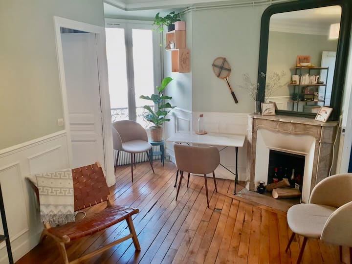Confortable and typical Parisian flat