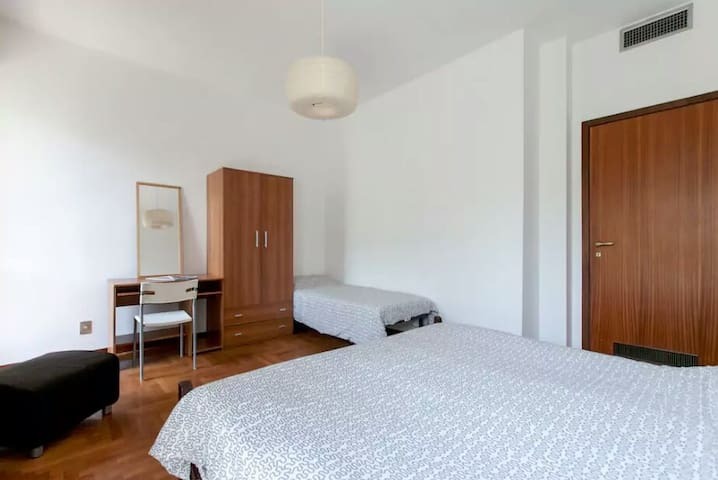 Central Private Room - Zweibrücken - Appartement