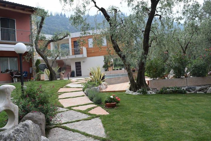 Casa Bana  App. Fiordaliso aperto tutto l'anno - Malcesine - Apartment