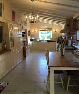 Ensuite King size & Twin rooms - Seething - House