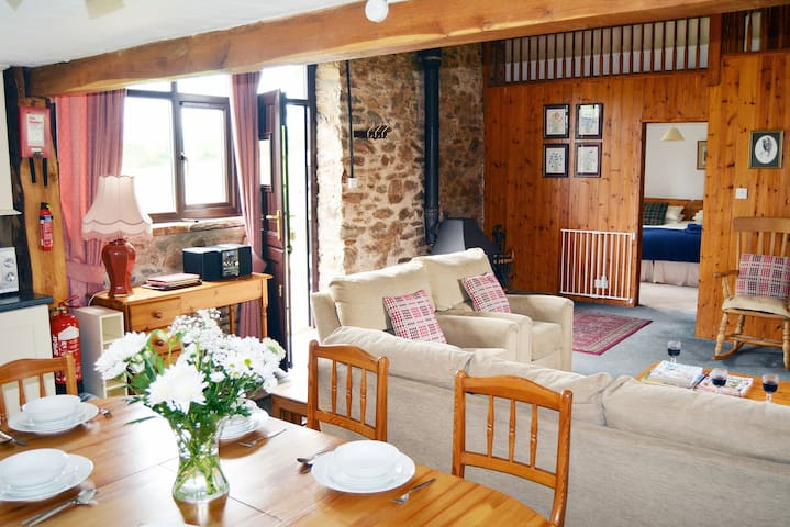 Pet-friendly spacious barn conversion in Exmoor National Park - Dulverton, - Hus