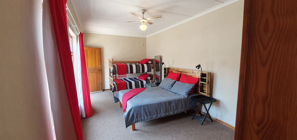 One bedroom flat to rent in Hartenbos