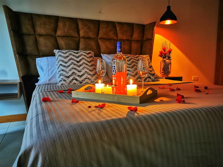 2★MAGIC ROMANTIC SUITE★ 10MIN FROM THE JMC AIRPORT